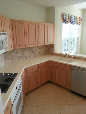 Southwest Florida Kitchen Cabinets before refacing by Kitchen Facelifts